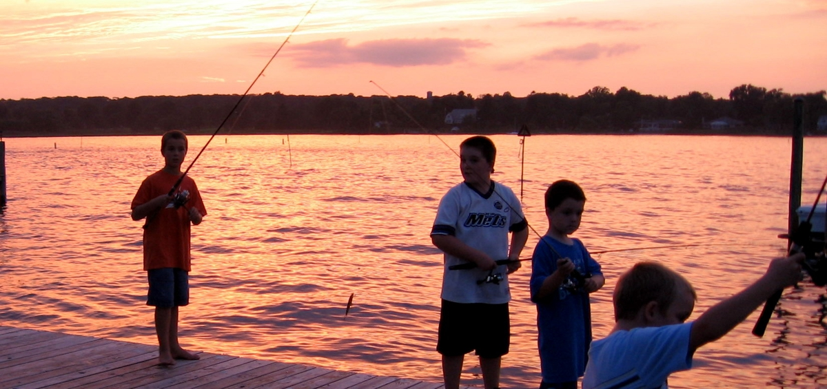 This is new jersey fishing at dusk on the manasquan river for Manasquan inlet fishing