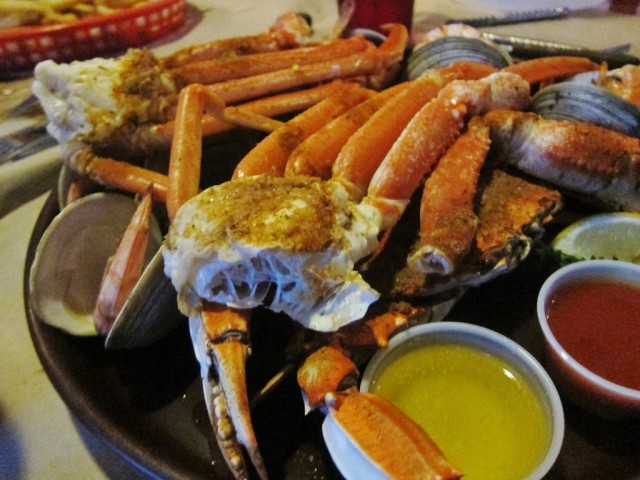 Crabby's seafood combination