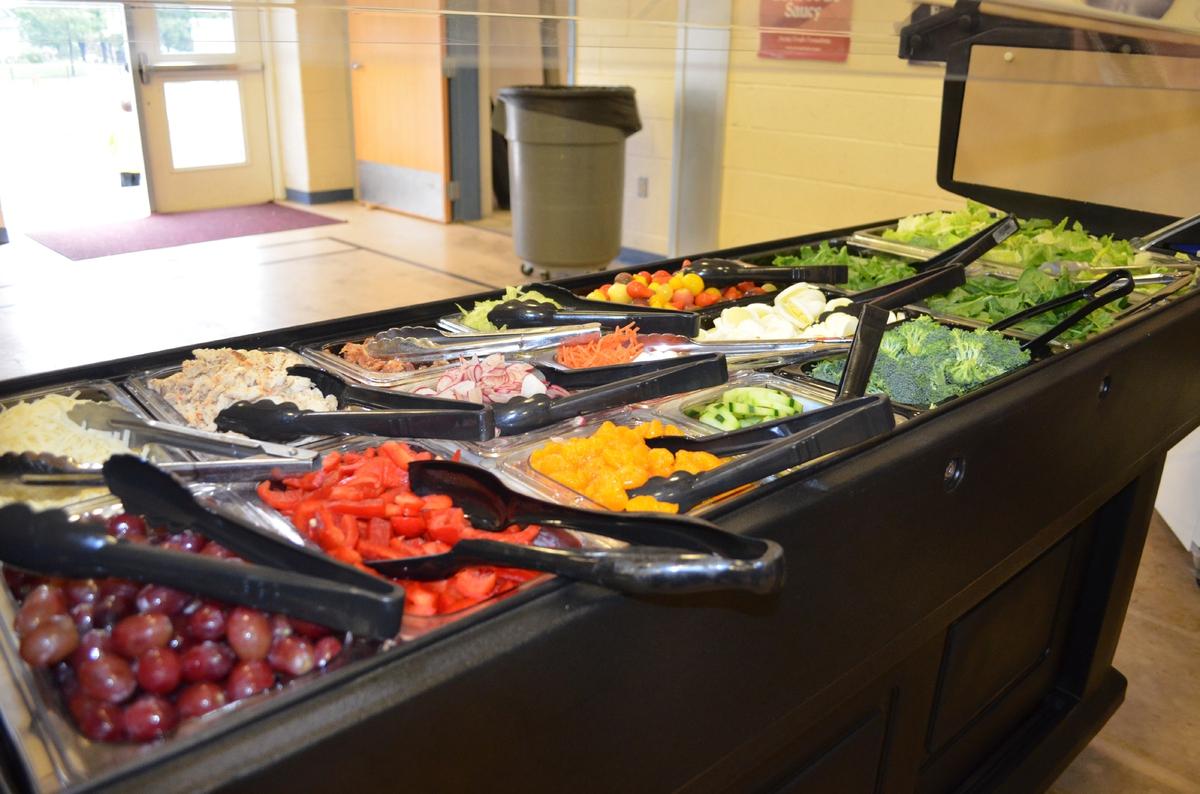 salad bar at NJ school