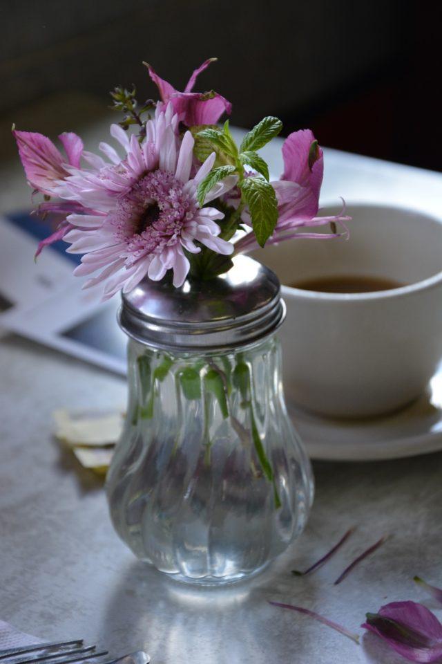 flowers, Summit Diner, Jersey Bites