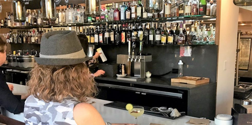 Picture of Lady at bar at Albarino