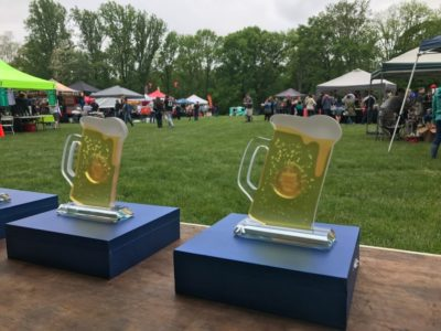 awards and crowds at Beer, BBQ, Bacon Showdown